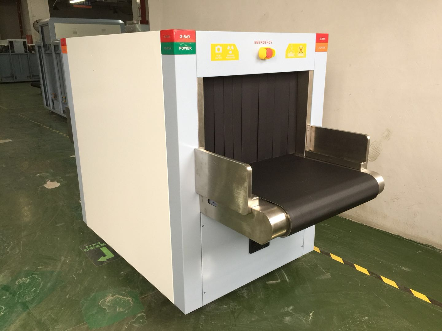 160KV X Ray Baggage And Parcel Inspection Screening Equipment Tunnel Size 60*40cm